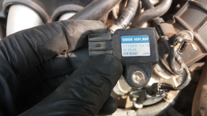 MAP Sensor Replacement on 2003-2007 Accord - DIYAutoWorksNG
